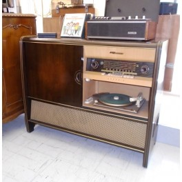 Grundig Radiogram 7066 WE Music Console & Bar